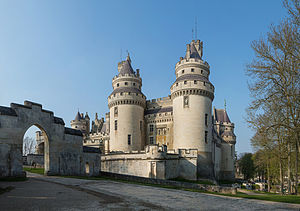 Château de Pierrefonds - Image: Chateau de Pierrefonds, France April 2012