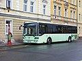Cheb, Žižkova, autobus v zastávce (01).jpg