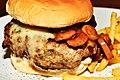 Cheeseburger (1).jpg