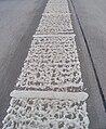 Cholupice, Pražský okruh, plastická vodicí čára.jpg