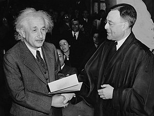 Judge Forman (r) awards Albert Einstein his ce...