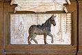 Corile di palazzo pitti, monumento alla mula - 0677.jpg