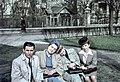 Csoportkép 1942-ben a Szilágyi Erzsébet fasornál. Fortepan 61660.jpg