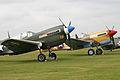 Curtiss P-40N (F-AZKU) and P-40F (VH-PIV) (6992532007).jpg