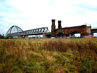 Hamm Railway Bridge - Hamm Bridge and ruins of its predecessor