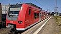 DB 424 011 S-Bahn Hannover Nienburg 180726.jpg