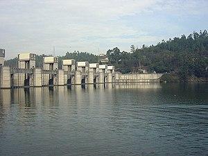 Crestuma-Lever Dam - Upstream face of the dam and retained lake