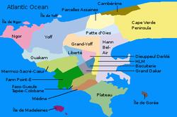 达喀尔城,共分成19个 communes d'arrondissement