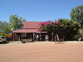 Daly Waters Pub Outside.JPG
