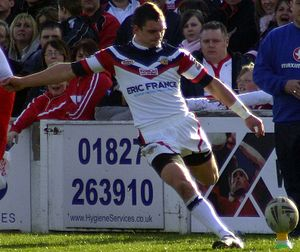 Danny Brough - Danny Brough kicking at goal for Wakefield
