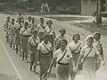 De groep burgerdeelneemers uit Amsterdam op het parcours van 40 km onderweg op d – F40487 – KNBLO.jpg