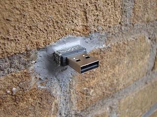 USB dead drop