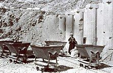 Decauville railway used at the clearance and excavation of the Temple of Hatshepsut at Deir-el-Bahri by Naville (1893-1898) 01.jpg