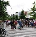Deelnemers verlaten het 'Liefde faalt nooit!'-congres van Jehovah's Getuigen, Utrecht, 2 augustus 2019 - 3 (cropped).jpg