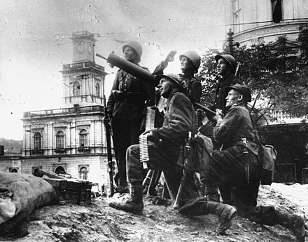 Polish soldiers with anti-aircraft artillery near the Warsaw Central Station during the first days of September, 1939 Defenders of Warsaw (1939).jpg