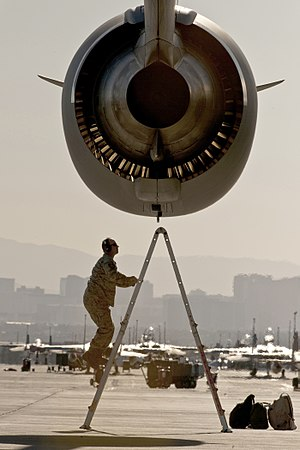 Pratt & Whitney PW2000 - An F117 from a C-17 Globemaster III during a post-flight inspection