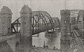 Die beiden Düsseldorfer Eisenbahnbrücken bei Hamm, links die neue in ihrer Vollendung, rechts die alte, 1868–70 erbaute, im Umbau. Foto Jean Esser, Düsseldorf, 1912.jpg
