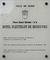 Dijon Hotel Fleutelot de Beneuvre plaque information.jpg