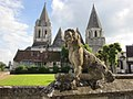 Dog scult in front of citadel of loches.jpg