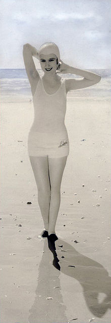 Dorothy Jordan in bathing-suit.jpg