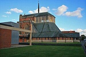 Douai Abbey - Image: Douai Abbey Chapel by David Lally Geograph 3019406
