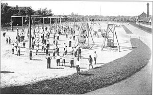 Douglas Park (Chicago) - This 1916 photo depicts the outdoor gymnasium.