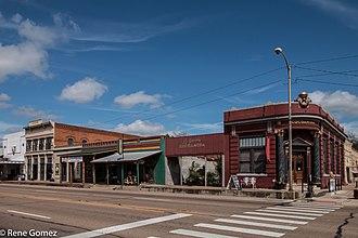 Calvert, Texas - Image: Downtown Calvert Texas(1 of 2)