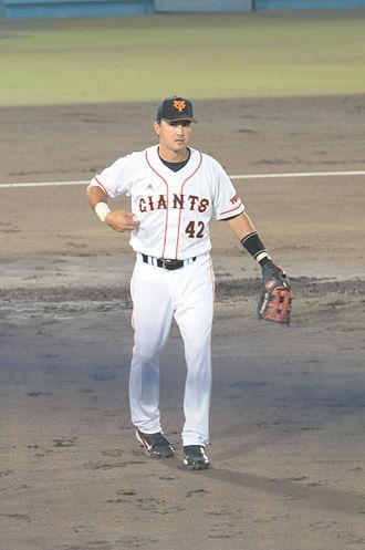 Edgar Gonzalez (infielder) - Gonzalez with the Yomiuri Giants