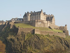 Edinburgh Castle från Princes Street.