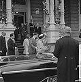 Einde van het feest vertrek Koninklijke gasten Boudewijn Fabiola vertrek Amstel-, Bestanddeelnr 913-8655.jpg