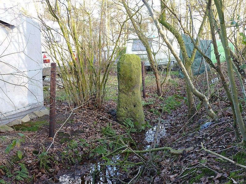 Slagersmatenpaal in weide aan de leppeweg scheiding tussen usseler en buursermarke in enschede - Scheiding houten ...
