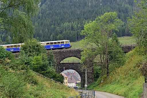 Erzbergbahn auf dem Rötzgrabenviadukt in Vordernberg - I