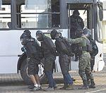 Exercício conjunto de enfrentamento ao terrorismo (27103045882).jpg