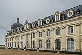 Exterior of the Castle of Valencay 06.jpg