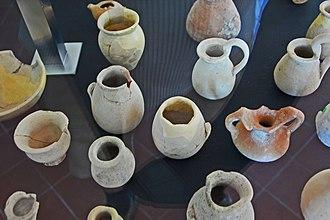 Oppidum d'Ensérune - Small jugs in Oppidum d'Ensérune Museum