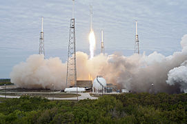 Falcon 9 CRS-2 launch 05 (KSC-2013-1744).jpg