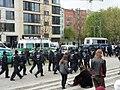 Fans des SV Babebelsberg werden auf der Bernauer Straße begleitet.jpg