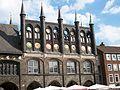 Fassade des Lübecker Rathauses.JPG