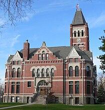 Fillmore County Courthouse (Nebraska) 1.jpg