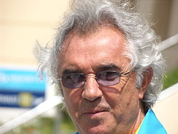 Flavio Briatore tijdens de Grand Prix van Bahrein 2006.