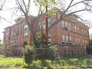 Buchanan School - Image: Former Buchanan School, Davenport, Iowa
