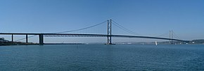 Forth Road Bridge01 2002-04-07.jpg