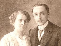 Friedrich and Pauline Kellner in 1914.jpg