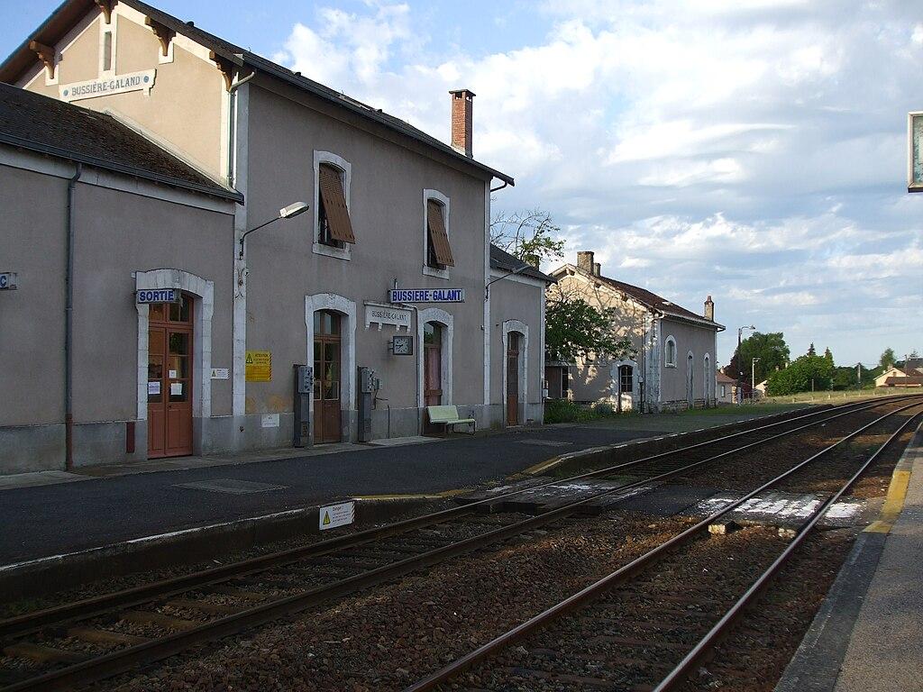 File gare de bussi re galant haute vienne france jpg for Haute vienne