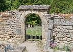 Gate and stone wall in Saint-Chely-du-Tarn.jpg