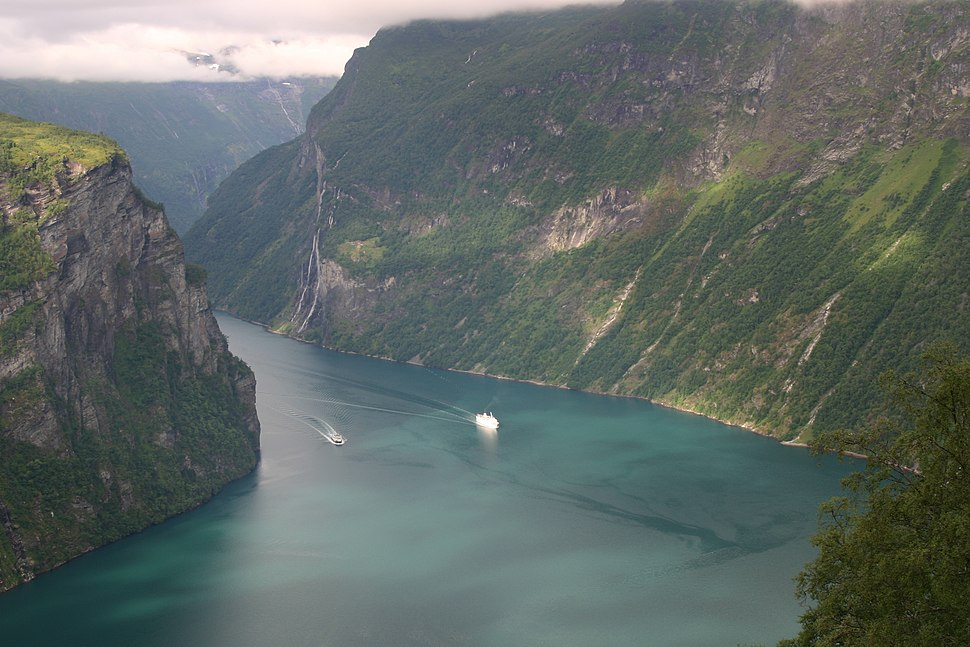 Geirangerfjord boats