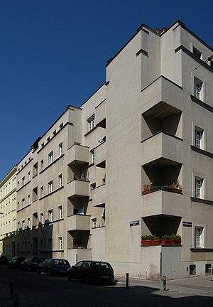 Gemeindebau_Rauchfangkehrergasse_26.jpg