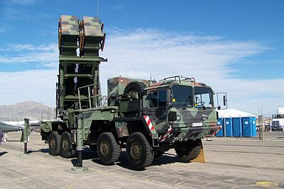 camion lancia missili 400px-German_Patriot_missile_launcher