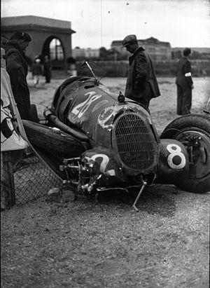 Giuseppe Farina - Farina's damaged Alfa Romeo 8C-35 at the 1936 Deauville Grand Prix