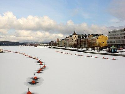 Härnösands hamn på vintern